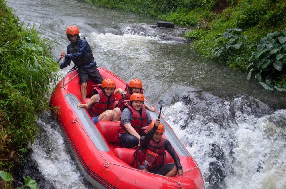 Liburan Seru Keluarga Natasha Wilona dalam Outbound Pangalengan Bandung