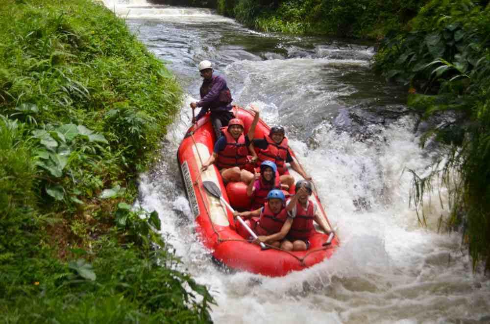 Keseruan Aktivitas Outbound Pangalengan Bandung PT KALBE FARMA