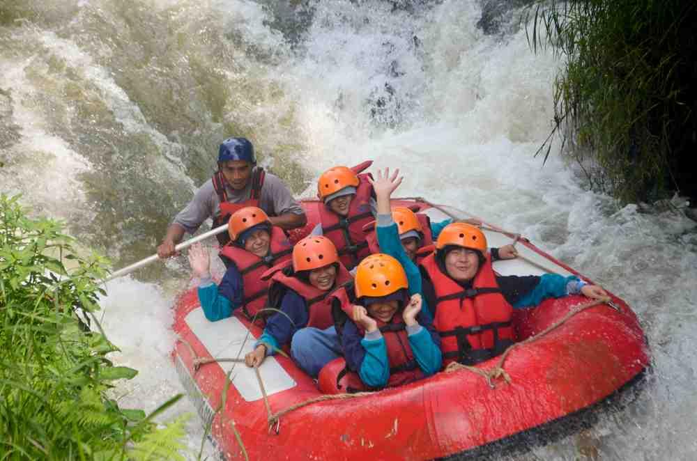 SMP Mutiara Insani Jakarta Nikmati Keseruan di Tempat Outbound Anak Bandung