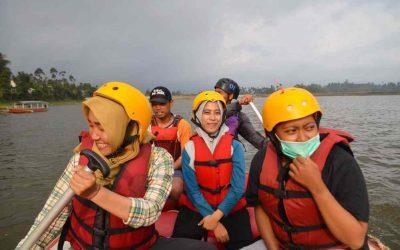 Asyiknya Menikmati Rafting Bandung
