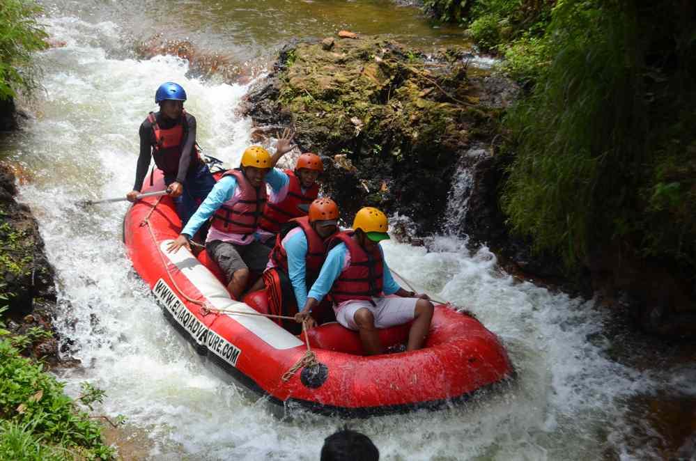 Keseruan Menikmati Rafting Pangalengan