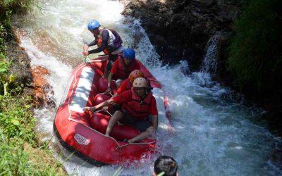 Memacu Adrenalin dengan Keseruan Arung Jeram Bandung